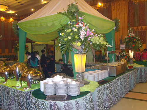 dhitria-catering-wedding-pondokan-foodstall